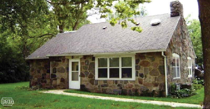 Make a quick getaway in this Black Hawk State Park cabin | Iowa DNR