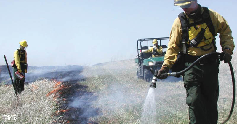 Controlled burns are an important management tool for Iowa grasslands | Iowa DNR
