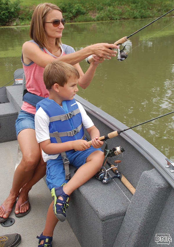 Take the family along for Mission Fishin with these great locations in the 2017 Iowa Fishing Forecast | Iowa DNR