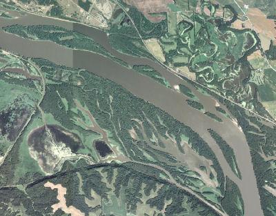 Mississippi River  Pool 13