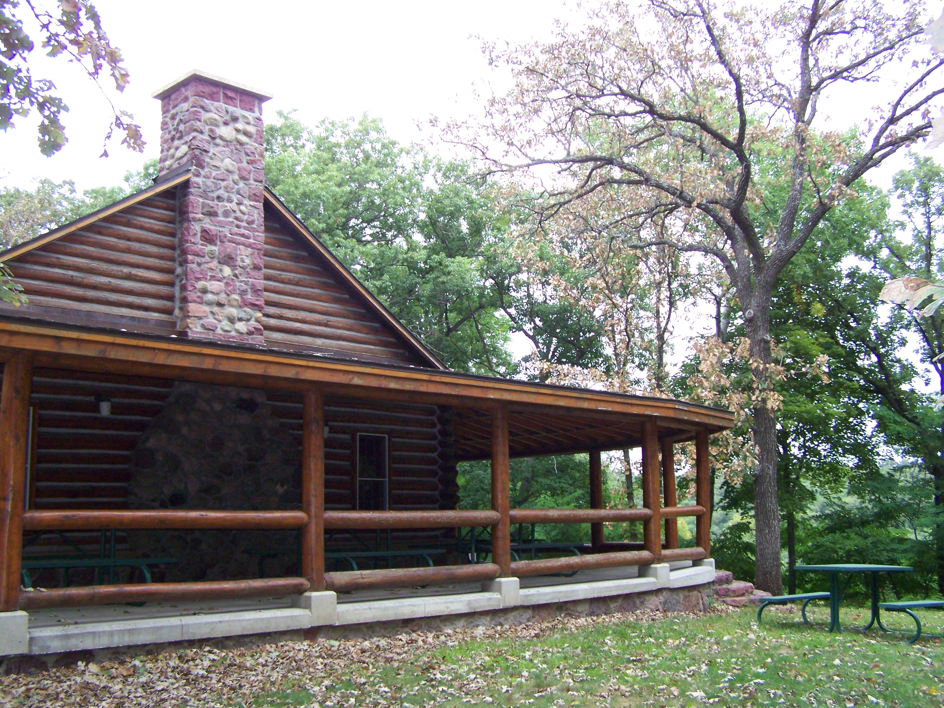 The lodge at Fort Defiance State Park